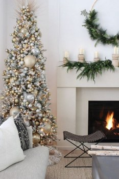 70 Catchy Silver and Gold Christmas Trees Decor You Need to See 59