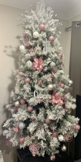 70 Catchy Silver and Gold Christmas Trees Decor You Need to See 64