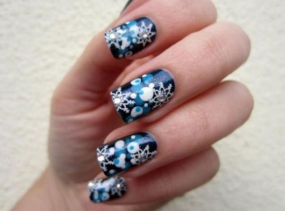 25 Fun Winter Nail Design Ideas 08