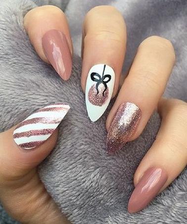 25 Fun Winter Nail Design Ideas 27