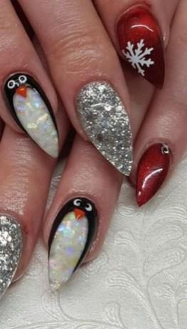 25 Fun Winter Nail Design Ideas 30