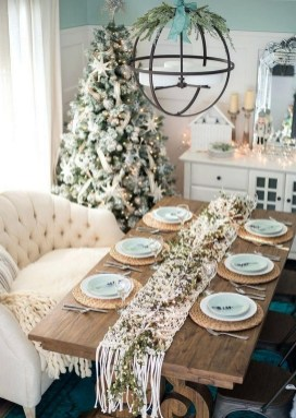 50 How to Arrange a Dining Table for Christmas Occasion 11