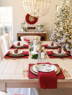 50 How to Arrange a Dining Table for Christmas Occasion 26