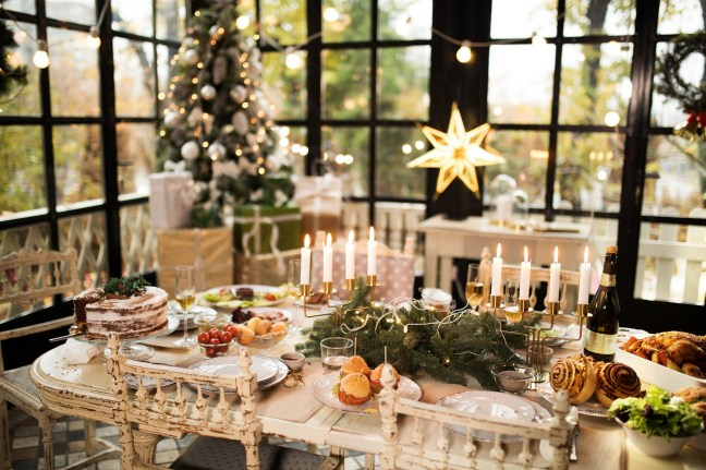 50 How to Arrange a Dining Table for Christmas Occasion 33