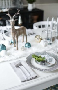 50 How to Arrange a Dining Table for Christmas Occasion 47