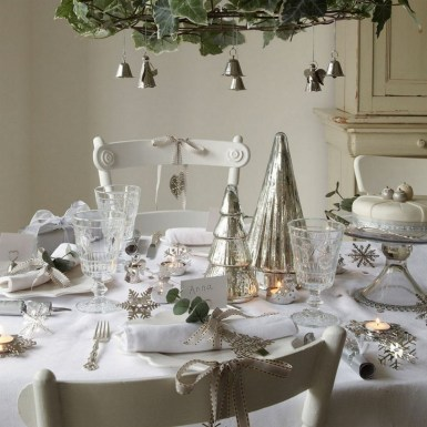 50 How to Arrange a Dining Table for Christmas Occasion 49