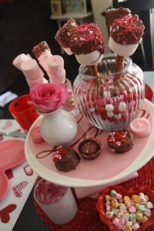 50 Romantic Valentines Party Decoration You Need to See 11
