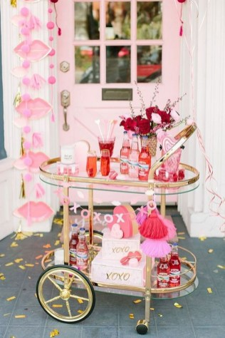 50 Romantic Valentines Party Decoration You Need to See 46