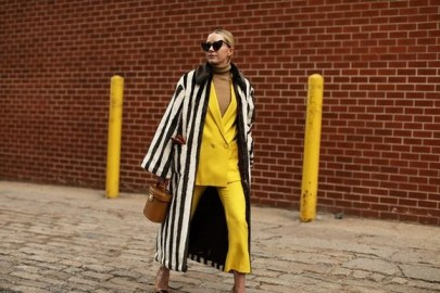 60 Adorable Yellow Outfit for Winter 16
