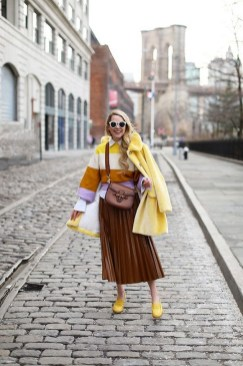 60 Adorable Yellow Outfit for Winter 37