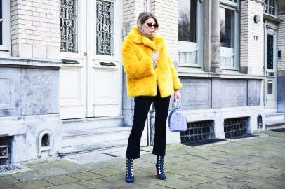 60 Adorable Yellow Outfit for Winter 47