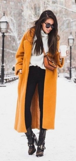60 Adorable Yellow Outfit for Winter 5