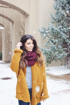 60 Adorable Yellow Outfit for Winter 56