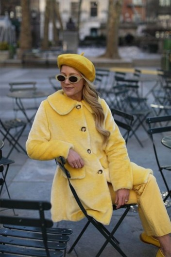 60 Adorable Yellow Outfit for Winter 7