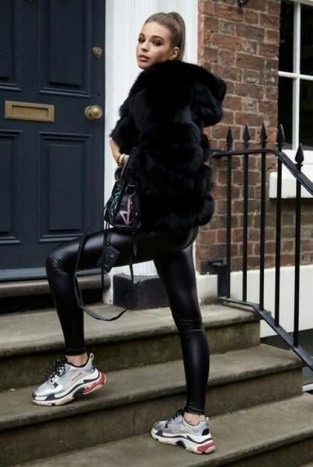 80 Fashionable Women Faux Fur Coats Look 20