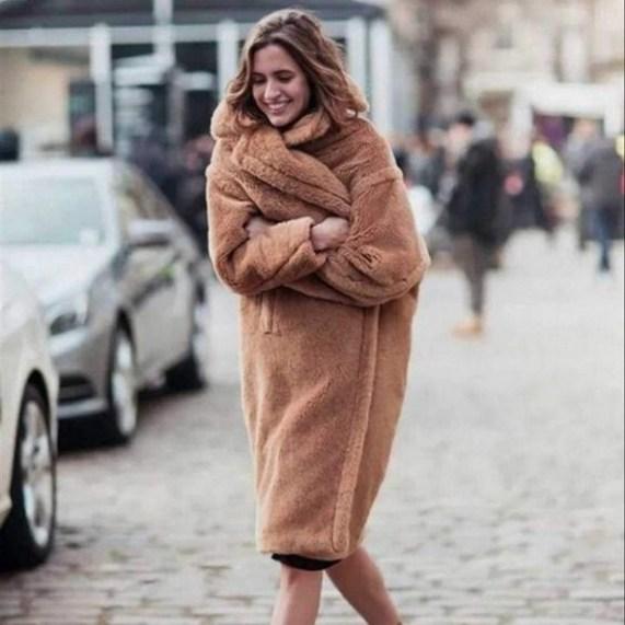 80 Fashionable Women Faux Fur Coats Look 27