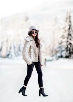 80 Fashionable Women Faux Fur Coats Look 56