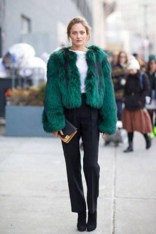 80 Fashionable Women Faux Fur Coats Look 60