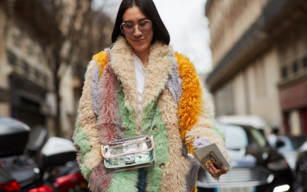 80 Fashionable Women Faux Fur Coats Look 81