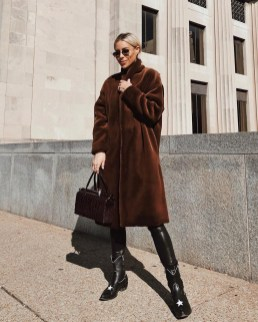 80 Fashionable Women Faux Fur Coats Look 84