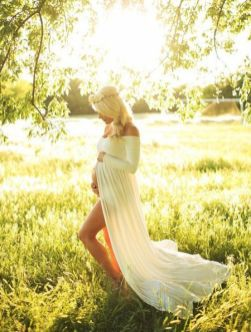 80 Outdoor Maternity Photoshoot Ideas 15