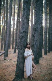80 Outdoor Maternity Photoshoot Ideas 50