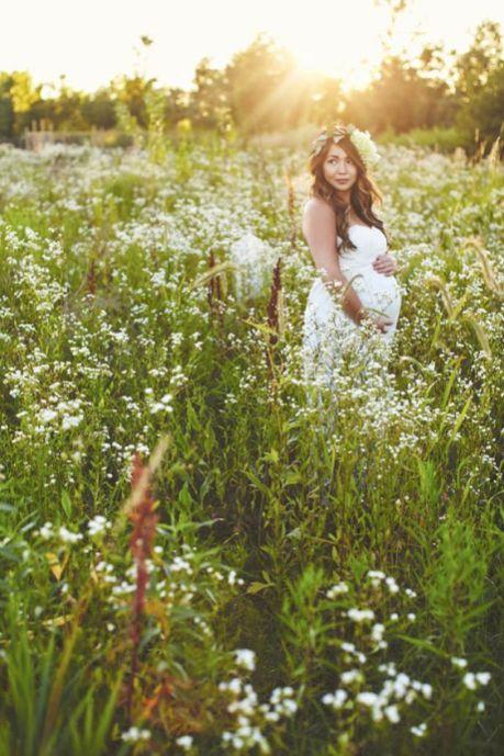 80 Outdoor Maternity Photoshoot Ideas 54