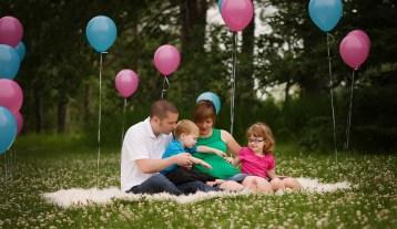 80 Outdoor Maternity Photoshoot Ideas 61