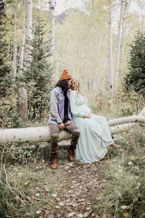 80 Outdoor Maternity Photoshoot Ideas 68