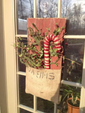 How Stunning Rustic Christmas Decorations Ideas 14