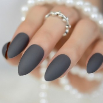 47 Simple Nail Art Design for This Winter Season Inspiration 6