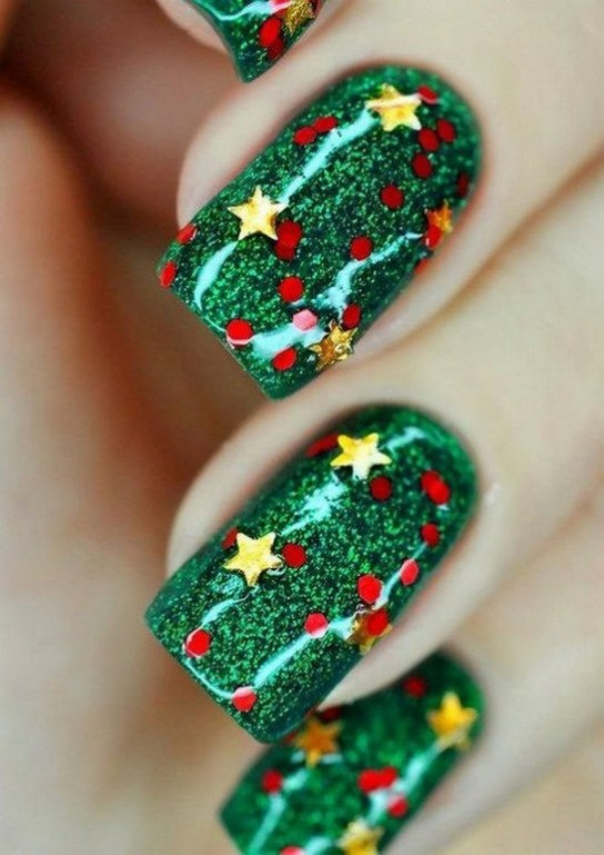 50 Cute and Festive Christmas Nail Design You Should to See 06