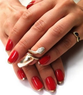50 Cute and Festive Christmas Nail Design You Should to See 11