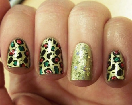 50 Cute and Festive Christmas Nail Design You Should to See 47