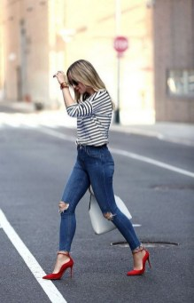 50 Modern Look Jeans and Red Shoes Outfit Ideas 02