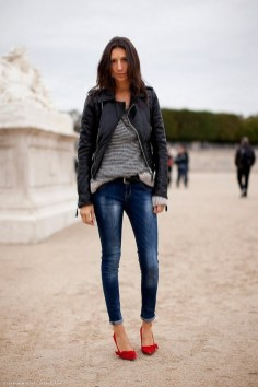 50 Modern Look Jeans and Red Shoes Outfit Ideas 11