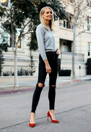 50 Modern Look Jeans and Red Shoes Outfit Ideas 39