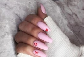 50 Nail Art Ideas for Valentines Day You Need to See 23