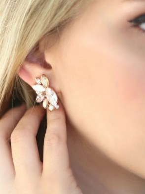 50 Stud Earring for Wedding Brides Ideas 05