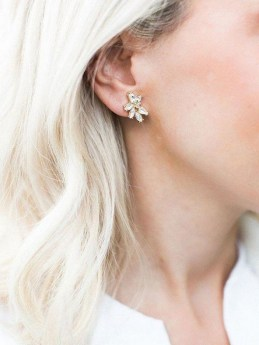50 Stud Earring for Wedding Brides Ideas 09