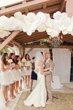 50 Stunning Paper Flower Decoration for Wedding Ideas 03