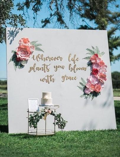 50 Stunning Paper Flower Decoration for Wedding Ideas 05