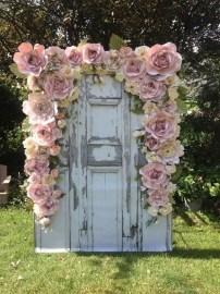 50 Stunning Paper Flower Decoration for Wedding Ideas 10
