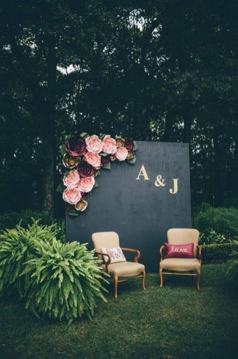 50 Stunning Paper Flower Decoration for Wedding Ideas 22