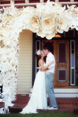 50 Stunning Paper Flower Decoration for Wedding Ideas 32