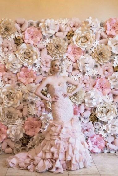50 Stunning Paper Flower Decoration for Wedding Ideas 38