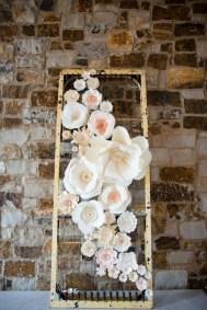50 Stunning Paper Flower Decoration for Wedding Ideas 41