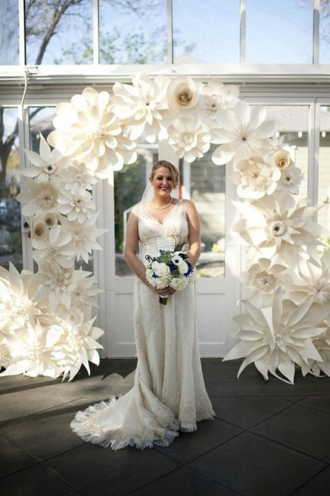 50 Stunning Paper Flower Decoration for Wedding Ideas 54