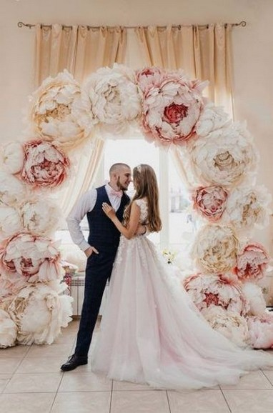 50 Stunning Paper Flower Decoration for Wedding Ideas 56