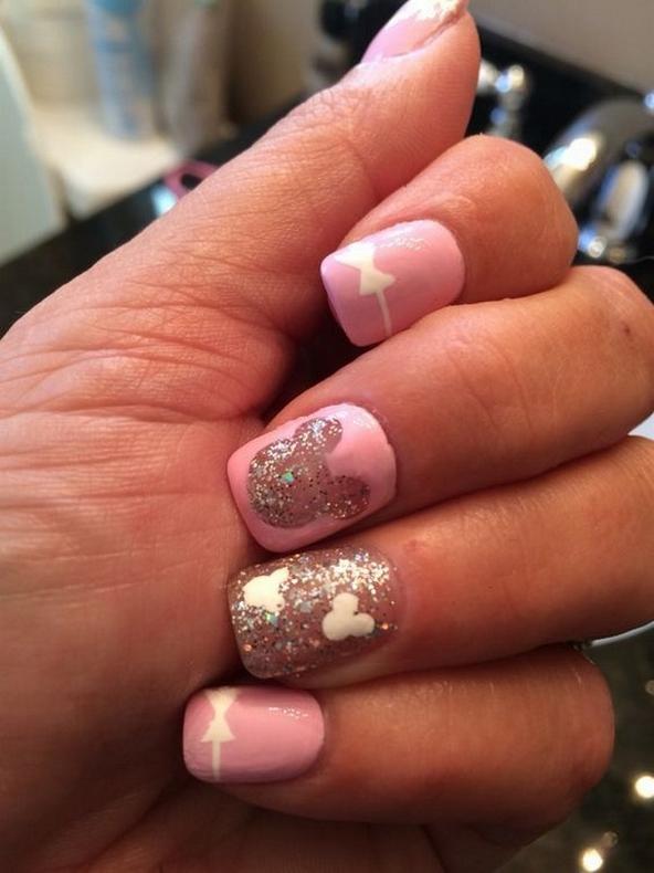 60 Disney Themed Nail Art Ideas 04